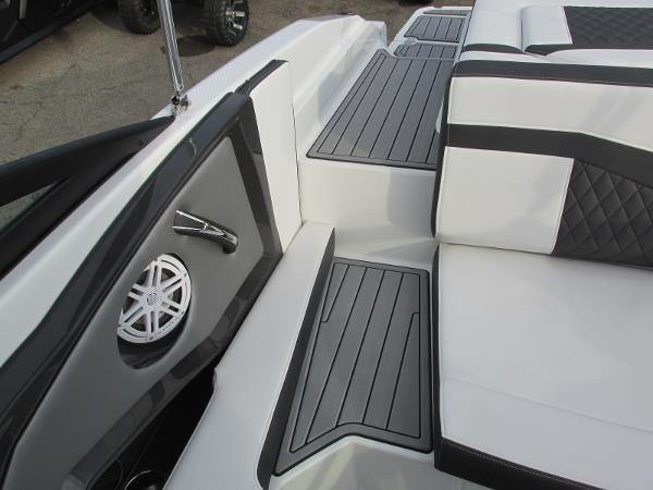 2021 Monterey boat for sale, model of the boat is 218 SS & Image # 26 of 48