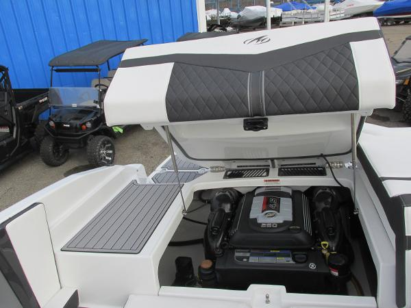 2021 Monterey boat for sale, model of the boat is 218 SS & Image # 27 of 48