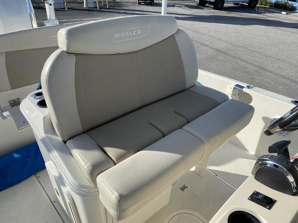 2018 Boston Whaler boat for sale, model of the boat is 270 Dauntless & Image # 2 of 14