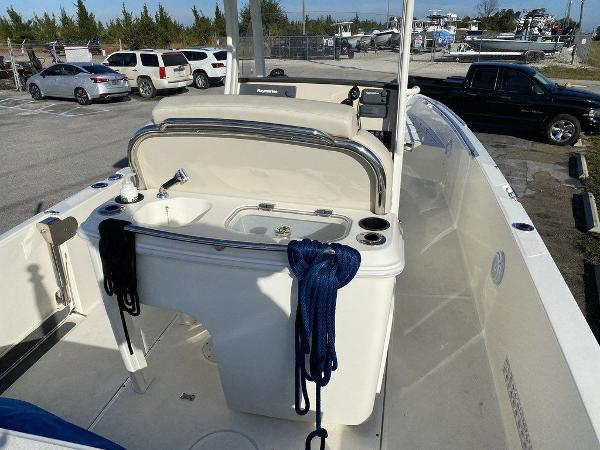 2018 Boston Whaler boat for sale, model of the boat is 270 Dauntless & Image # 4 of 14