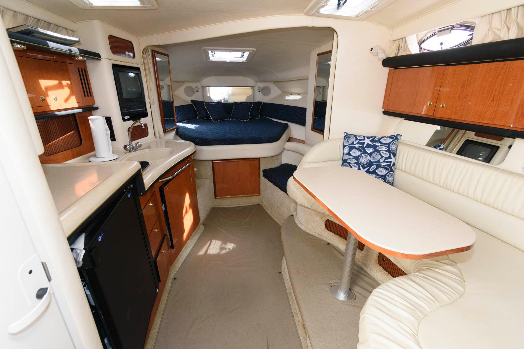M 5981 TW Knot 10 Yacht Sales
