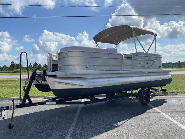 2018 Sweetwater boat for sale, model of the boat is 2286 & Image # 1 of 9