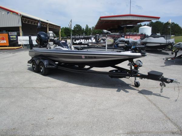 2017 Skeeter boat for sale, model of the boat is FX 21 & Image # 3 of 36