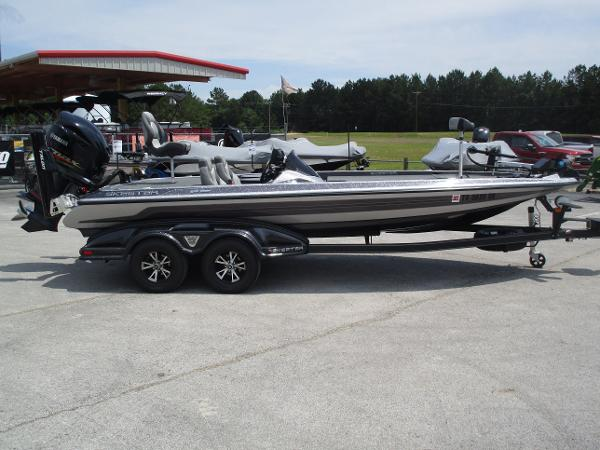 2017 Skeeter boat for sale, model of the boat is FX 21 & Image # 4 of 36