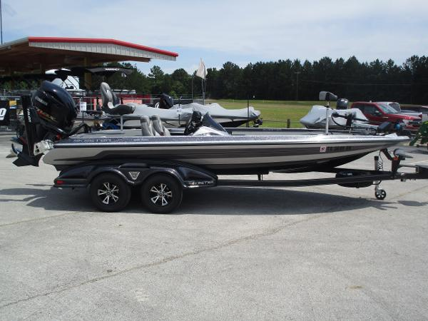 2017 Skeeter boat for sale, model of the boat is FX 21 & Image # 5 of 36