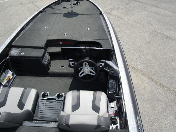 2017 Skeeter boat for sale, model of the boat is FX 21 & Image # 18 of 36