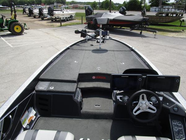 2017 Skeeter boat for sale, model of the boat is FX 21 & Image # 19 of 36