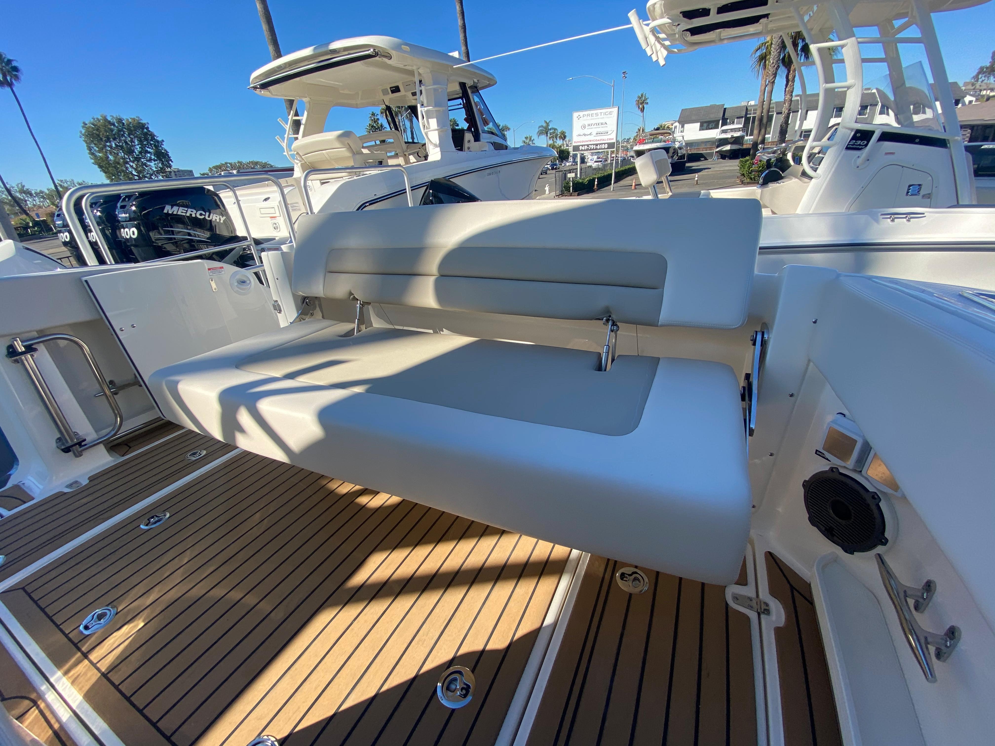 2021 Boston Whaler 320 Vantage #BW1073J inventory image at Sun Country Coastal in Newport Beach