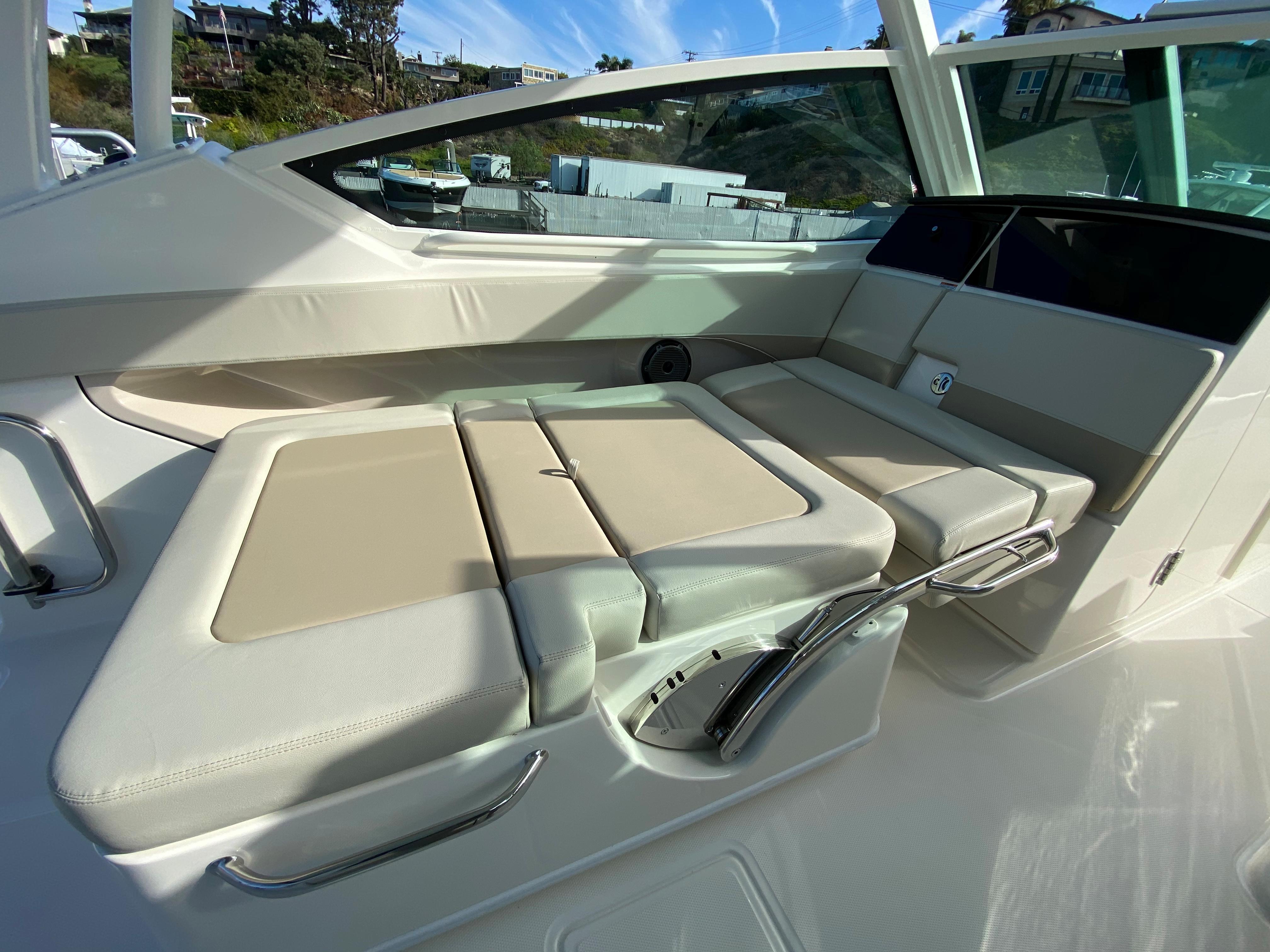 2021 Boston Whaler 280 Vantage #BW0870G inventory image at Sun Country Coastal in Newport Beach