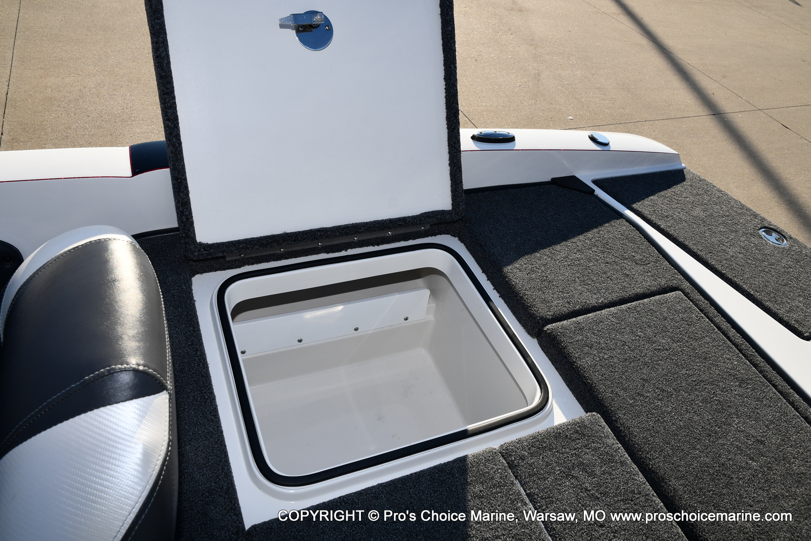 2021 Ranger Boats boat for sale, model of the boat is 212LS w/250HP Mercury Pro-XS 4 Stroke & Image # 13 of 50