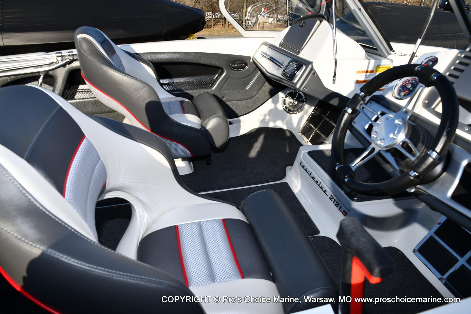 2021 Ranger Boats boat for sale, model of the boat is 212LS w/250HP Mercury Pro-XS 4 Stroke & Image # 41 of 50