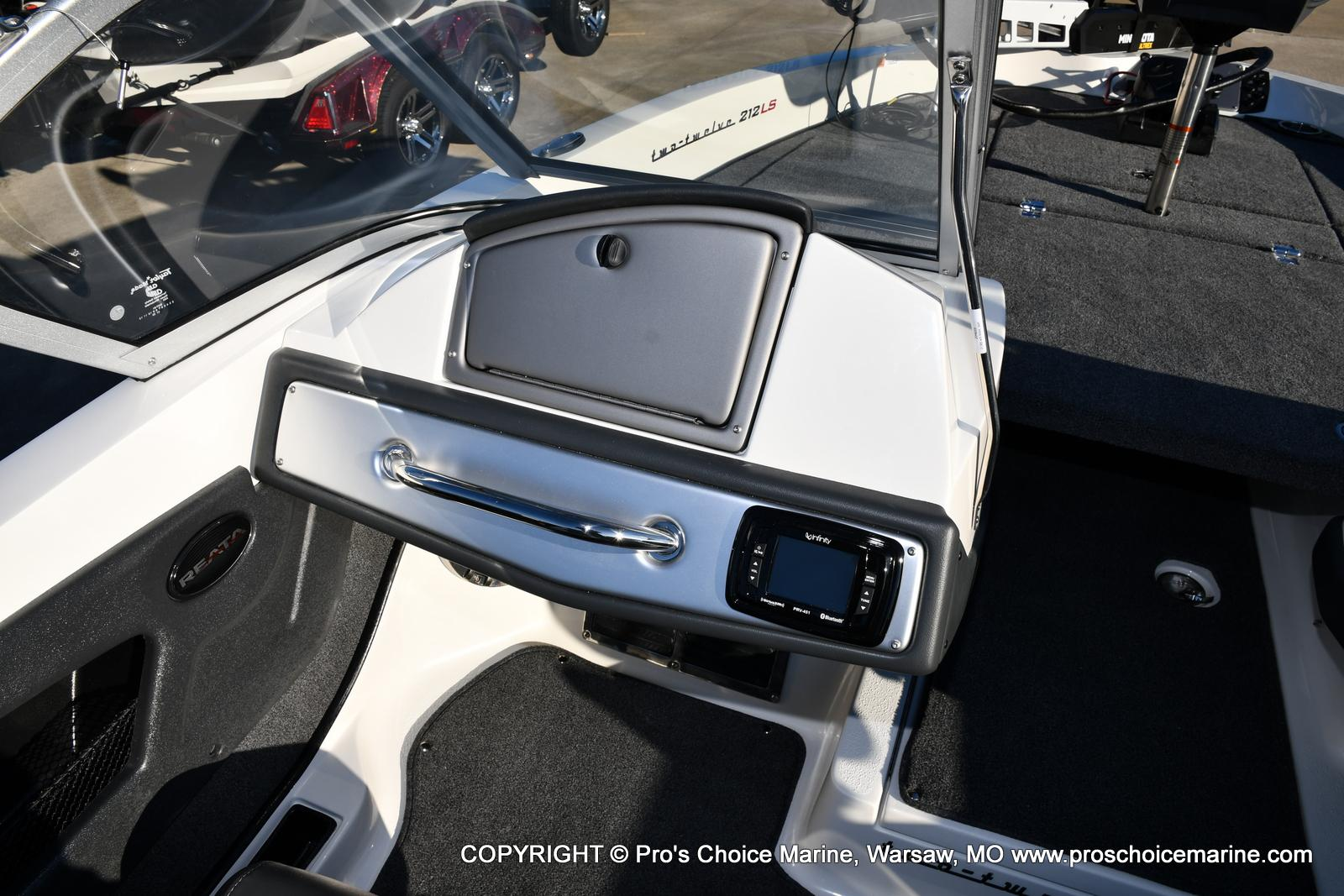 2021 Ranger Boats boat for sale, model of the boat is 212LS w/250HP Mercury Pro-XS 4 Stroke & Image # 6 of 50
