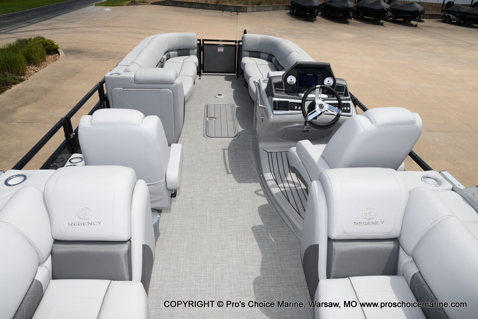 2021 Regency boat for sale, model of the boat is 250 LE3 & Image # 48 of 50