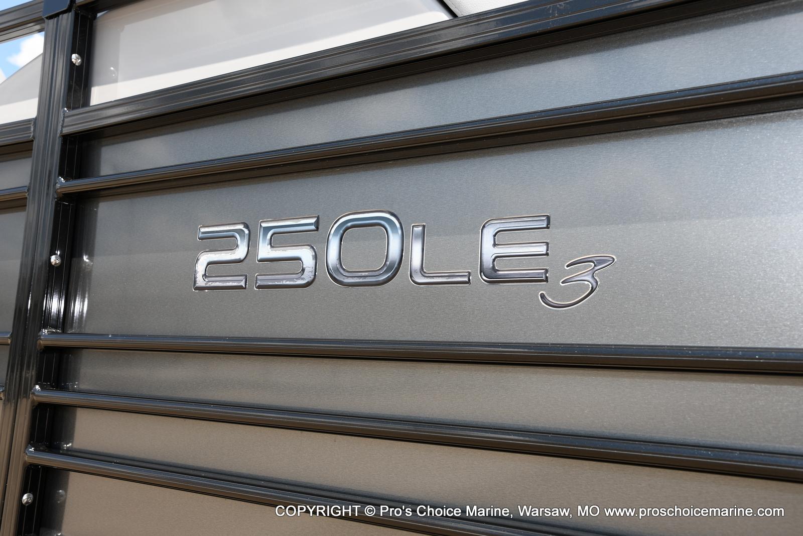 2021 Regency boat for sale, model of the boat is 250 LE3 & Image # 2 of 50