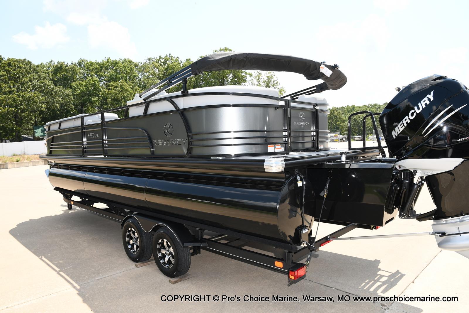 2021 Regency boat for sale, model of the boat is 250 LE3 & Image # 12 of 50