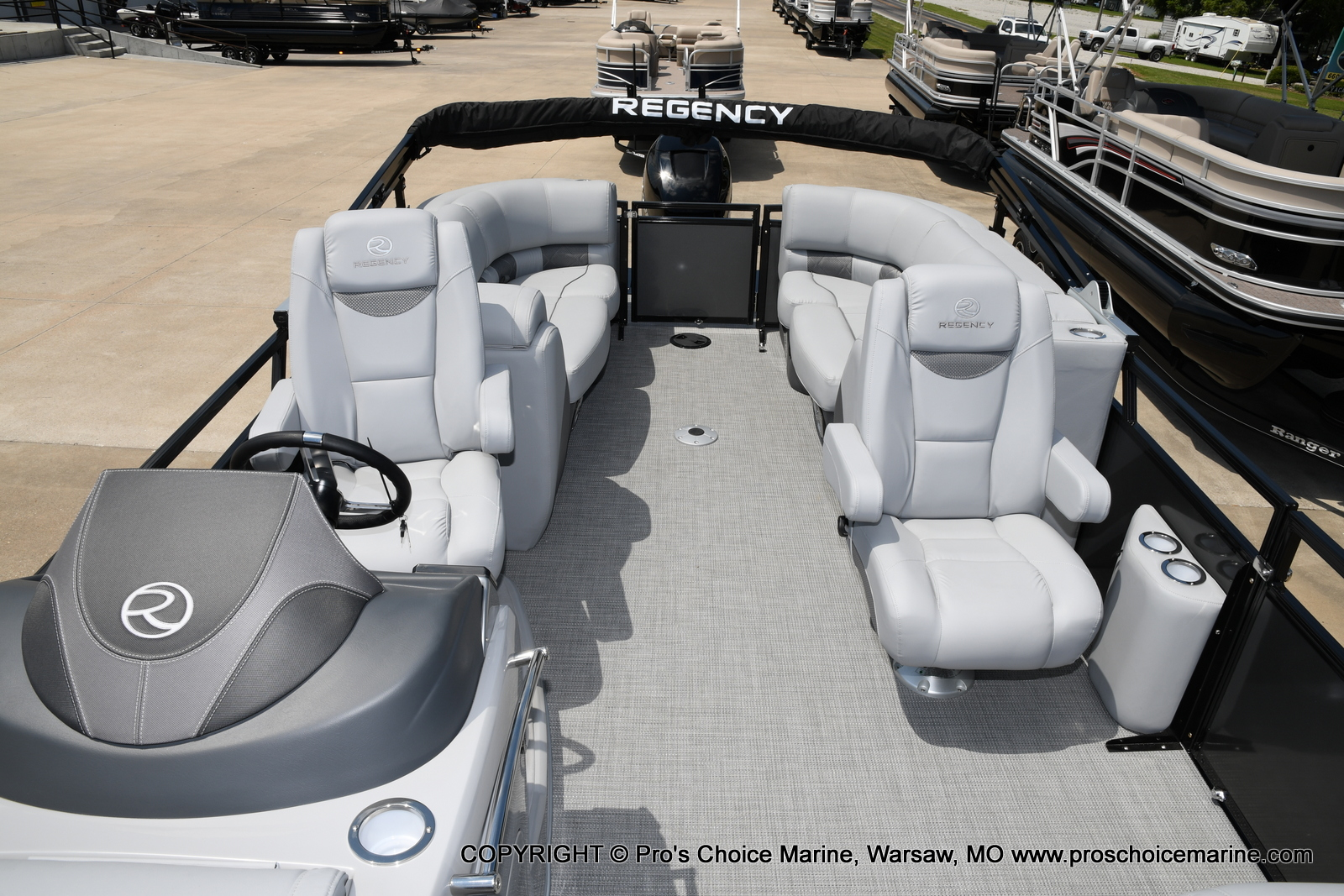 2021 Regency boat for sale, model of the boat is 250 LE3 & Image # 16 of 50