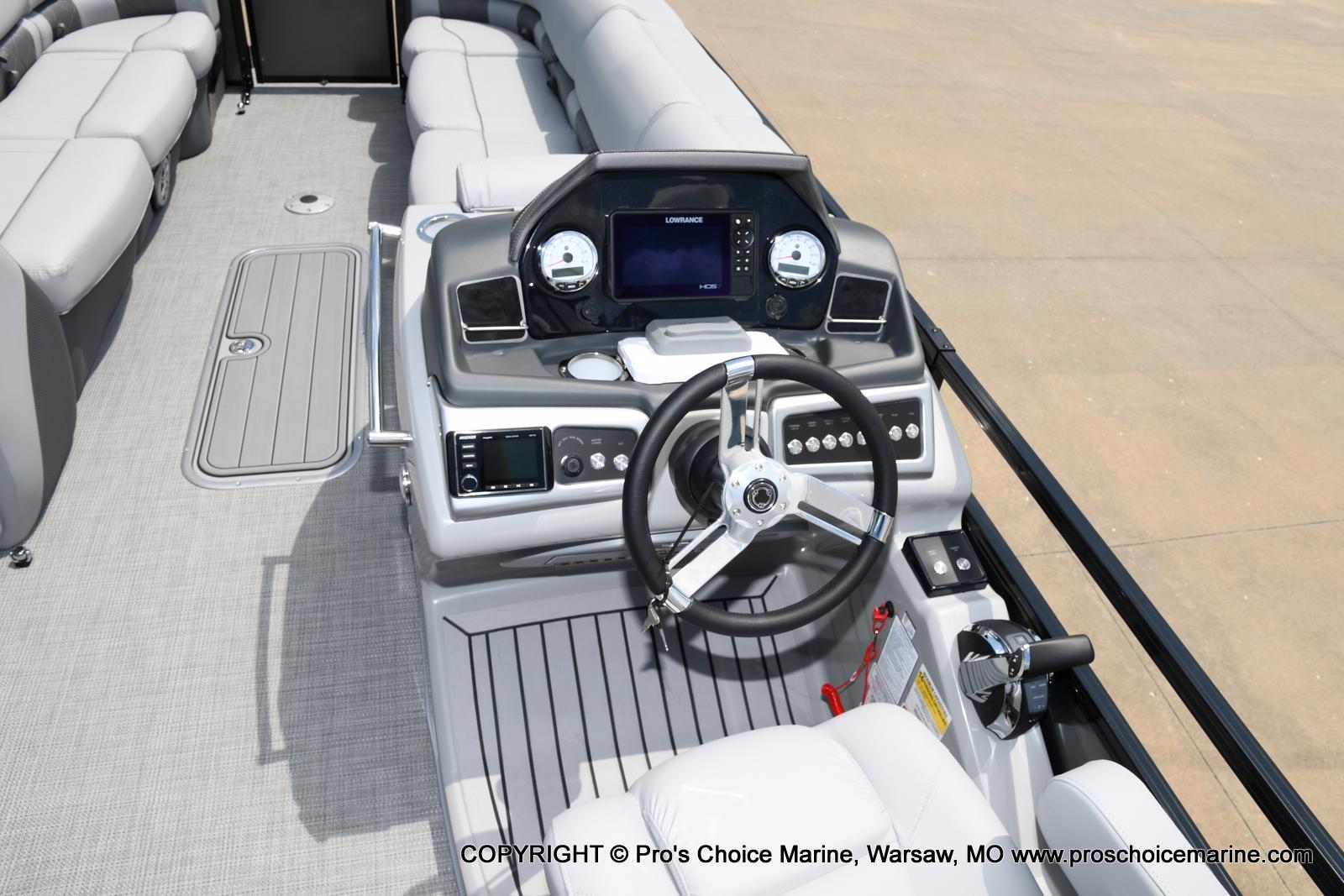 2021 Regency boat for sale, model of the boat is 250 LE3 & Image # 38 of 50