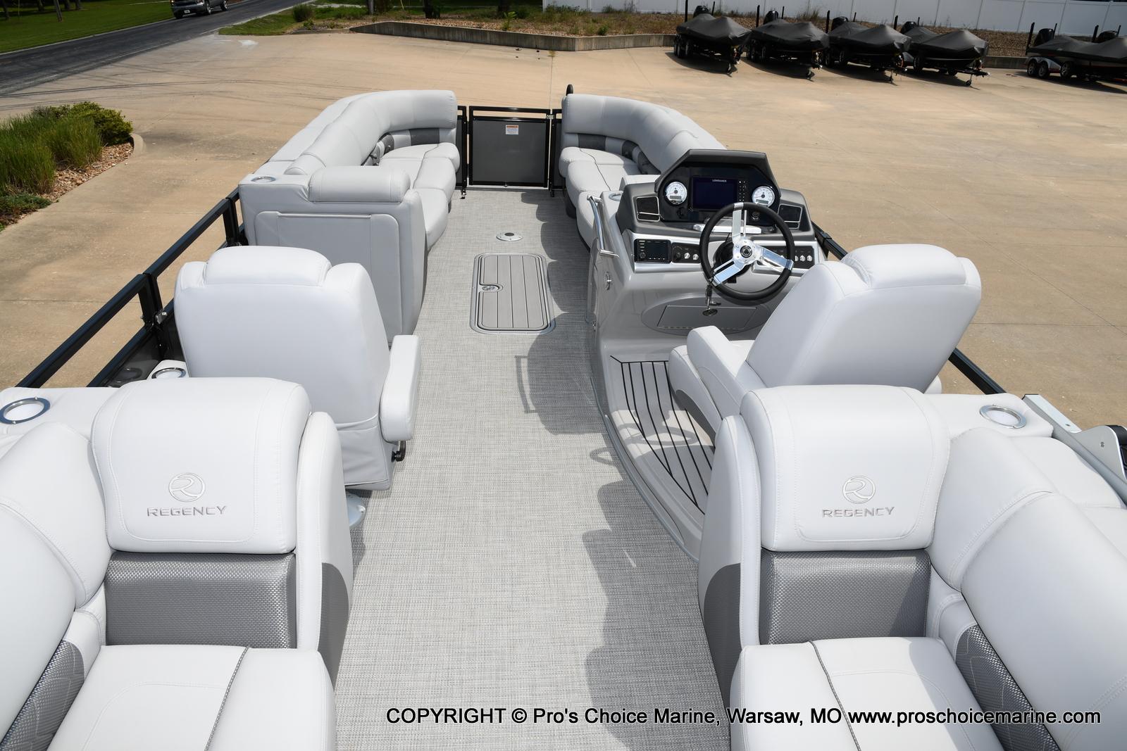 2021 Regency boat for sale, model of the boat is 250 LE3 & Image # 42 of 50