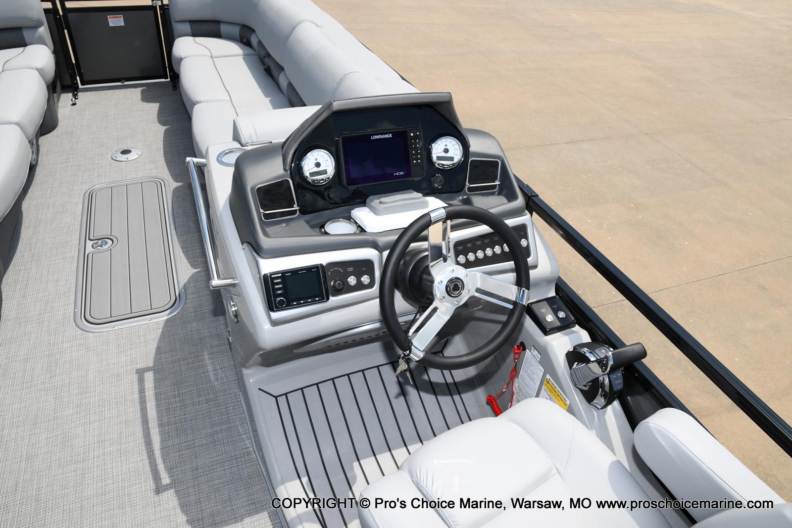 2021 Regency boat for sale, model of the boat is 250 LE3 & Image # 27 of 50