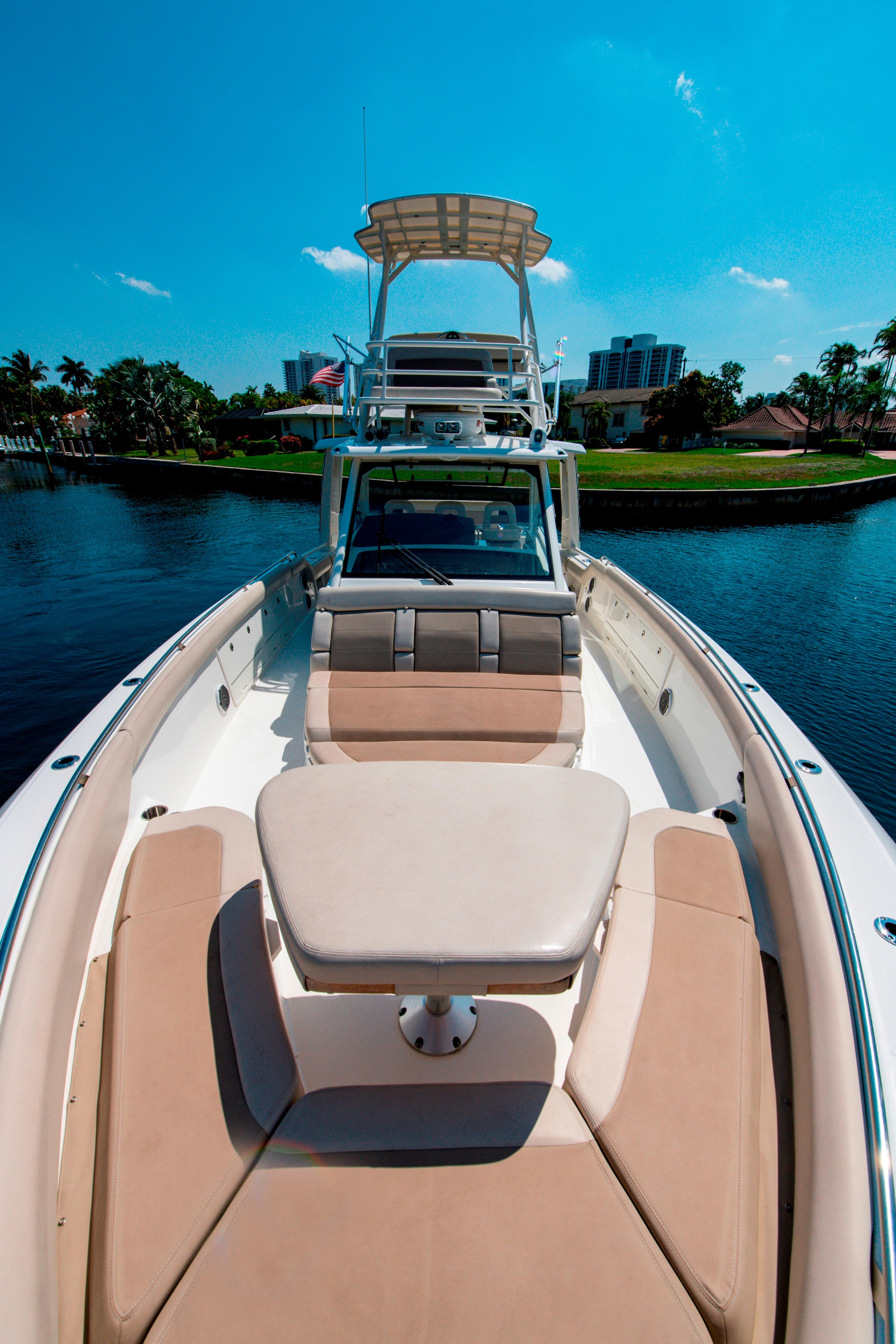 42' Boston Whaler 420 Outrage Fore Deck