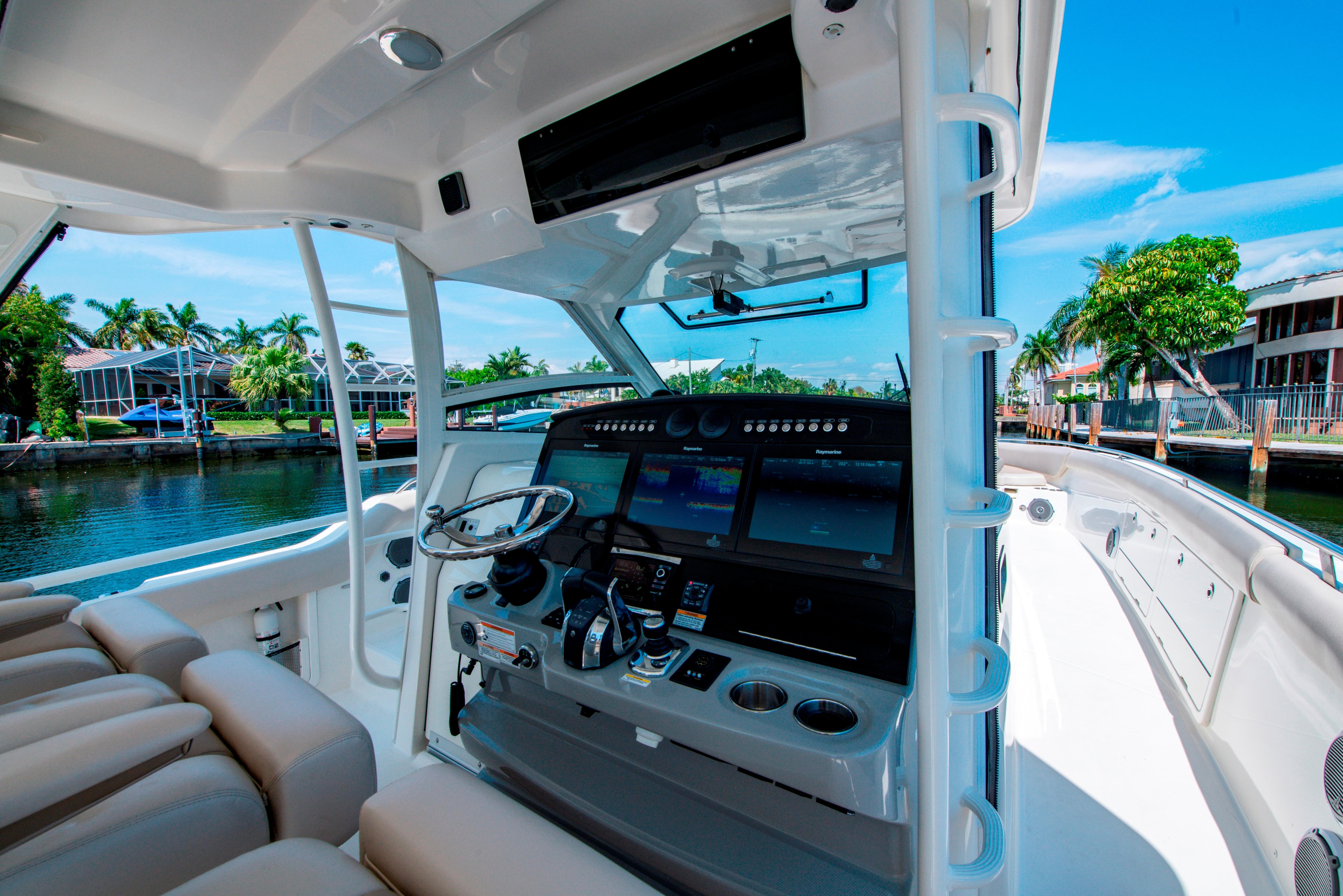 42' Boston Whaler 420 Outrage Helm
