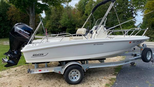 2019 Boston Whaler 180 Dauntless thumbnail