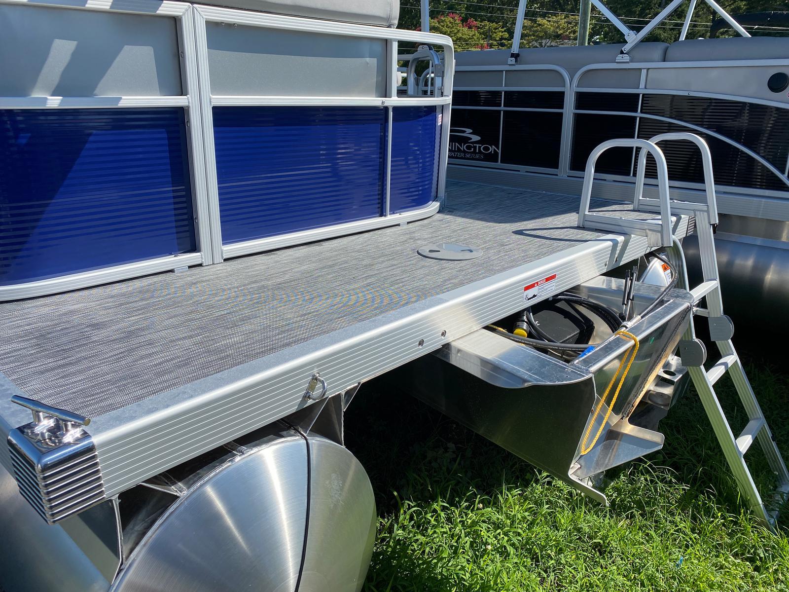 2021 Bennington boat for sale, model of the boat is 20 SVL & Image # 2 of 9