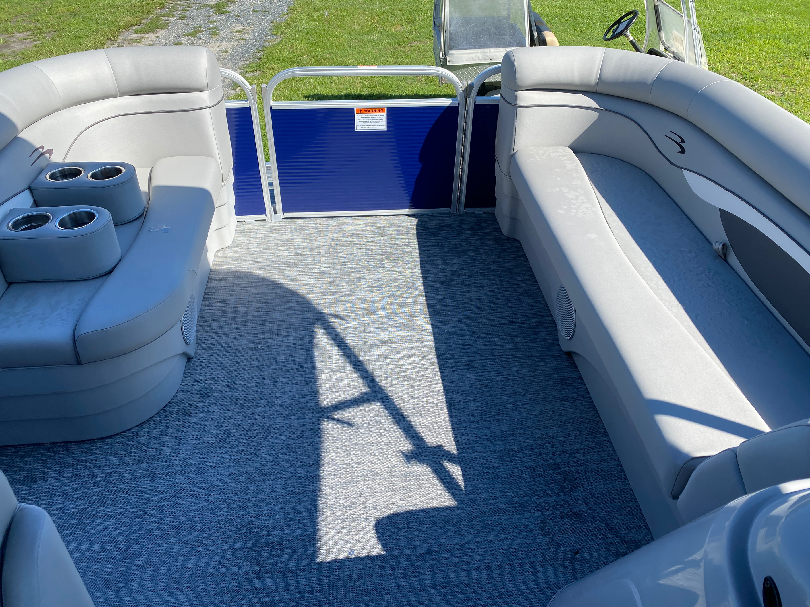 2021 Bennington boat for sale, model of the boat is 20 SVL & Image # 5 of 9