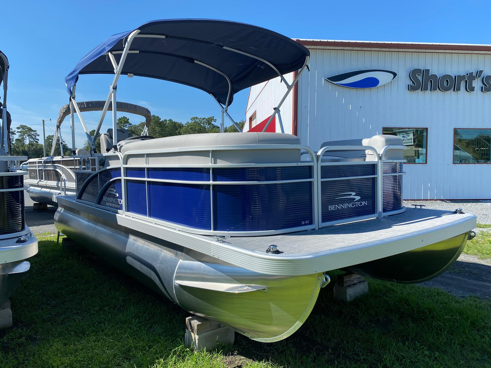 2021 Bennington boat for sale, model of the boat is 20 SVL & Image # 1 of 9