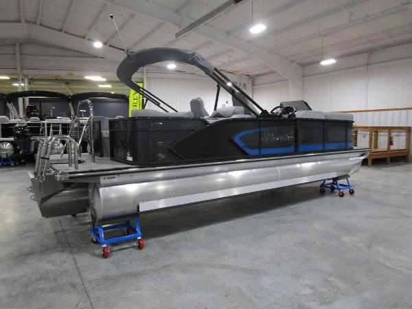 2021 Manitou boat for sale, model of the boat is SR 23 Encore SHP 373 & Image # 2 of 56