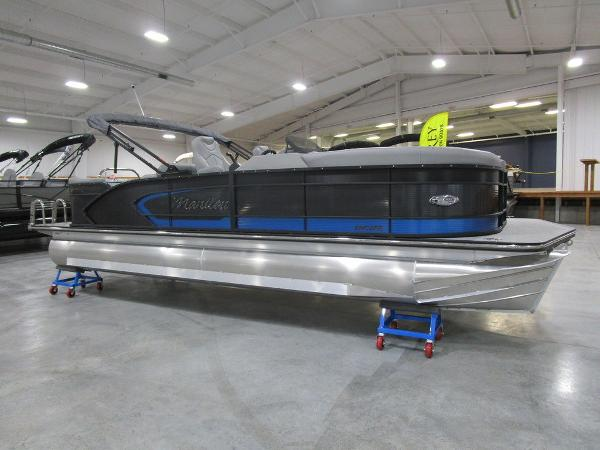 2021 Manitou boat for sale, model of the boat is SR 23 Encore SHP 373 & Image # 3 of 56