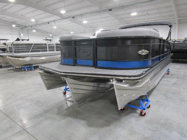 2021 Manitou boat for sale, model of the boat is SR 23 Encore SHP 373 & Image # 4 of 56