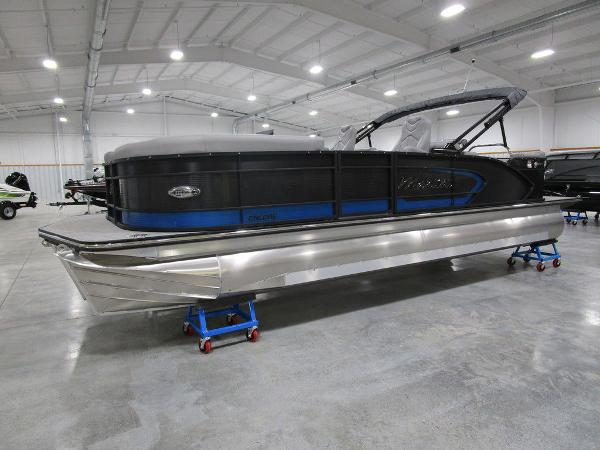 2021 Manitou boat for sale, model of the boat is SR 23 Encore SHP 373 & Image # 6 of 56