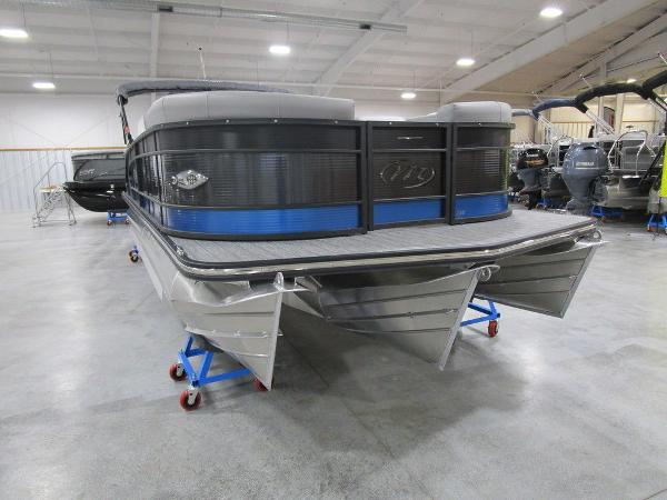 2021 Manitou boat for sale, model of the boat is SR 23 Encore SHP 373 & Image # 7 of 56