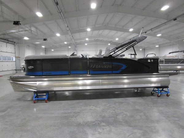 2021 Manitou boat for sale, model of the boat is SR 23 Encore SHP 373 & Image # 8 of 56