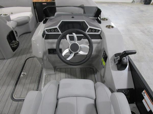 2021 Manitou boat for sale, model of the boat is SR 23 Encore SHP 373 & Image # 28 of 56