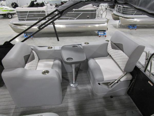 2021 Manitou boat for sale, model of the boat is SR 23 Encore SHP 373 & Image # 48 of 56