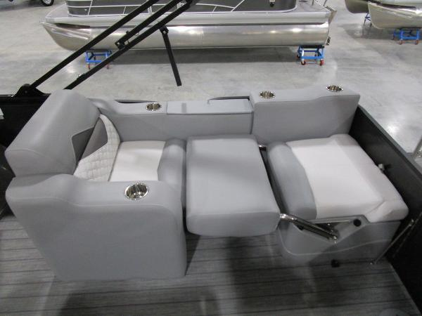 2021 Manitou boat for sale, model of the boat is SR 23 Encore SHP 373 & Image # 56 of 56