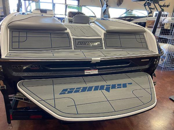 2021 Sanger boat for sale, model of the boat is 212SL & Image # 2 of 15