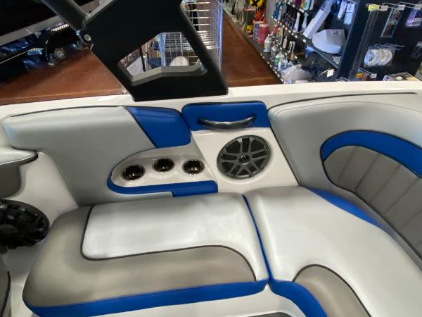 2021 Sanger boat for sale, model of the boat is 212SL & Image # 11 of 15