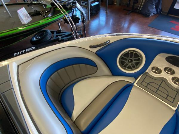 2021 Sanger boat for sale, model of the boat is 212SL & Image # 13 of 15