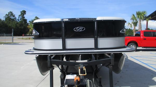 2021 Bentley boat for sale, model of the boat is Elite 223 Swingback Full Tube & Image # 7 of 60