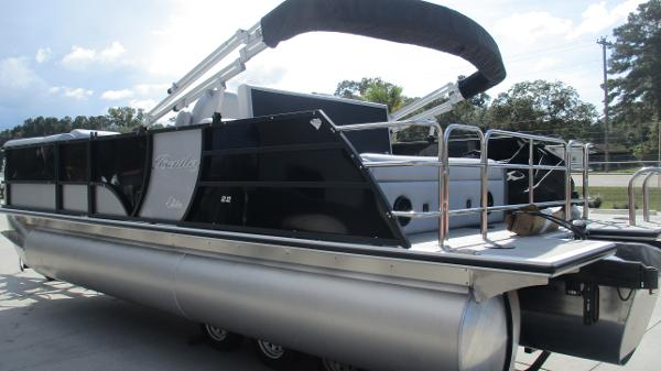 2021 Bentley boat for sale, model of the boat is Elite 223 Swingback Full Tube & Image # 6 of 60