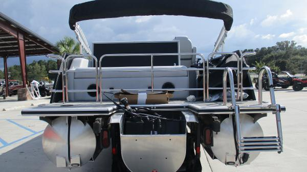 2021 Bentley boat for sale, model of the boat is Elite 223 Swingback Full Tube & Image # 8 of 60