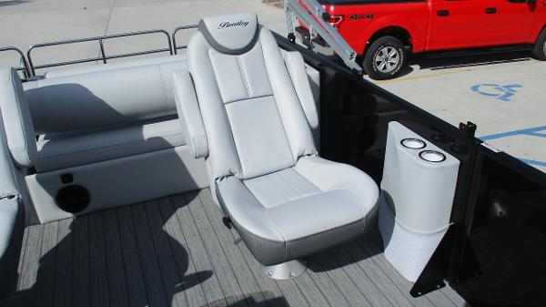 2021 Bentley boat for sale, model of the boat is Elite 223 Swingback Full Tube & Image # 12 of 60