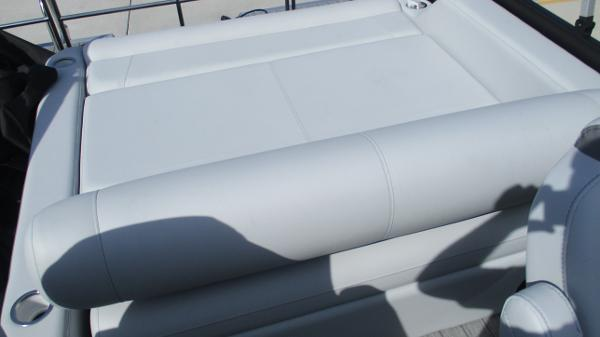 2021 Bentley boat for sale, model of the boat is Elite 223 Swingback Full Tube & Image # 14 of 60