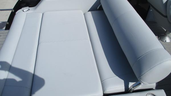2021 Bentley boat for sale, model of the boat is Elite 223 Swingback Full Tube & Image # 16 of 60