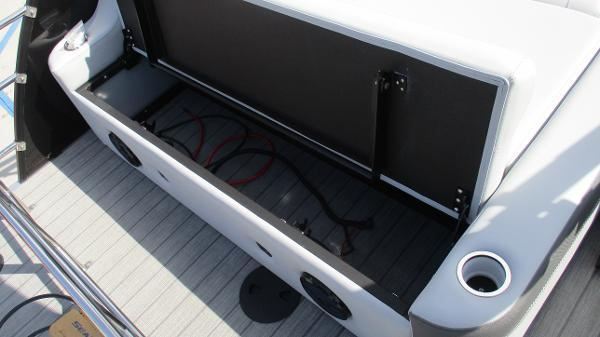 2021 Bentley boat for sale, model of the boat is Elite 223 Swingback Full Tube & Image # 19 of 60