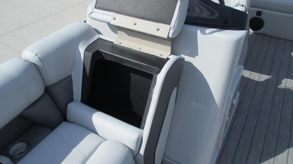 2021 Bentley boat for sale, model of the boat is Elite 223 Swingback Full Tube & Image # 40 of 60