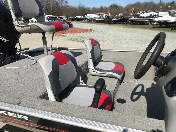 2010 Tracker Boats boat for sale, model of the boat is Pro 16 & Image # 9 of 12